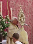 Monstranz des Bistums Eichstätt bei der Fronleichnamsprozession